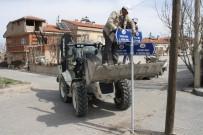 657 - Uçhisar'da Sokak Tabelaları Yenilendi