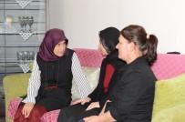 GAZILER - Vali Demirtaş'ın Eşi Beyhan Demirtaş Şehit Ailelerinin Yanında