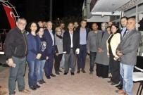 PROVOKASYON - Antalya'da 'Evet' Standında 'Neden Evet Diyeceğiz' Yumruğu Açıklaması 4 Yaralı