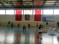 BADMINTON - Badminton Bay Bayan Grup Müsabakaları Başladı