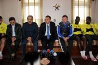 İNSANOĞLU - Bakan Özhaseki'den Kayserispor'a Moral Ziyareti