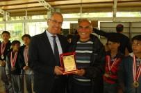 Başkan Acar, Minik Şampiyonları Ağırladı