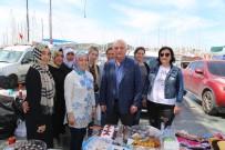 İSMAIL ALTıNDAĞ - Belediye Meydanında Okul Yararına Kermes