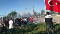 POLİS MÜDAHALE - Lyon'da Beşiktaş taraftarına biber gazı sıkıldı