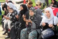 MEYDANCıK - Bursalı Romanlar 'Evet' Diyor