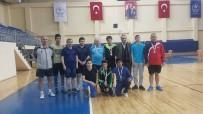 SEDAT BÜYÜK - Masa Tenisi Turnuvasında Madalyaları Topladılar