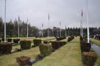 ŞEHİT ASKER - Gazetecilerden BM Kore Anıtsal Mezarlığı'na Ziyaret