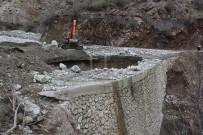 DÜZAĞAÇ - Adıyaman'da Sel Felaketi Açıklaması Köprüler Yerinden Söküldü