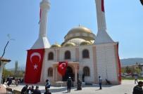 HAYIRSEVERLER - Ayşe Hatun Camii İbadete Açıldı