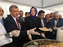 CANLI YAYIN - Bakan Kaya, Vatandaşlara Türkistan Pilavı İkram Etti