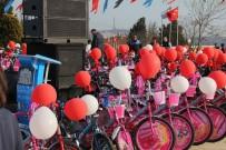 MURAT HAZINEDAR - Beşiktaş Belediyesi, Sosyal Sorumluluk Projesi Kapsamında 550 Bisiklet Dağıttı