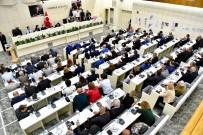 KATI ATIK BERTARAF TESİSİ - Büyükşehir Meclisinde 'Devir' Tartışması