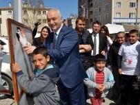 EMİR OSMAN BULGURLU - Çocuklar Elleriyle Resim Yaptı