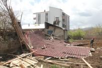 KARAKAYA - Elazığ'da Fırtına Çatıları Uçurdu