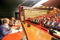 HUKUK FAKÜLTESI - Hukukçular Yeni Anayasa Değişikliğini Konuştu