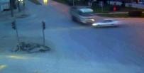 MOBESE - Kamyonla Otomobil Çarpıştı Açıklaması 1 Ölü