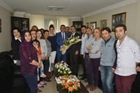 AHMET ATAÇ - Kuaförler Meslek Odasından Başkan Ataç'a Teşekkür Plaketi Verdi