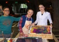 MUSTAFA TÜRKMEN - Özel Eğitim Öğrencileri Seramik Ve Ebru Sanatı İle Tanıştı