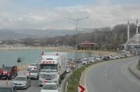 İPEKYOLU - AK Parti Van'da Yüzlerce Araçlık Konvoyla 'Evet' Dedi