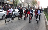 ADNAN BOYNUKARA - Başarılı Öğrenciler Bisiklet Turu Attı