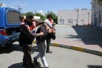 PARMAK İZİ - Çalıştıkları İş Yerinden Hırsızlık Yapınca  Tutuklandılar