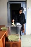 ERKILET - Gurbetçi Vatandaşlar Referandum İçin Oylarını Kullanmaya Devam Ediyor