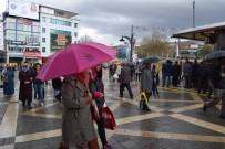 SU BASKINI - Malatya'da Sağanak Yağış Etkili Oluyor