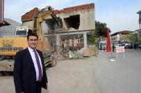 MUSTAFA DÜNDAR - Osmangazi'de Caddeler Genişliyor