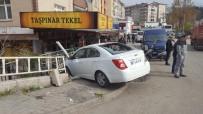 BALCıLAR - Otomobil Kamyonla Çarpıştı