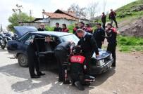 Polisin 'Dur' İhtarına Uymayan Otomobil Terk Edilmiş Halde Bulundu