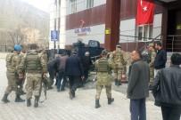 EL YAPIMI BOMBA - Van'da Patlama Açıklaması 1 Asker Yaralandı
