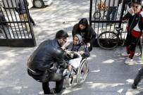 YAŞLI KADIN - 98 Yaşındaki Hayriye Nine Oyunu Kullanarak Örnek Oldu