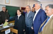 SEÇİM SÜRECİ - AK Parti Genel Başkan Yardımcısı Çalık Oyunu Malatya'da Kullandı