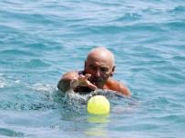 GÜNEŞLI - Antalya'da Oy Veren Sahile Koştu