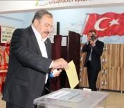 Bakan Eroğlu, Oyunu Memleketi Afyonkarahisar'da Kullandı