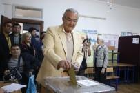 DENİZ BAYKAL - Baykal'ın oy kullandığı sandıktan 'hayır' çıktı