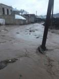 SU BASKINI - Çaldıran'da Su Baskını
