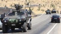 HAKKARİ ÇUKURCA - Hakkari'de askeri araç devrildi: 8 yaralı