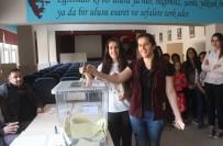 Mardinli İkizler İlk Defa Oy Kullandı