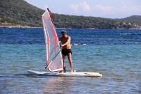 MANGAL KEYFİ - Oyunu Kullanan Sahile Koştu