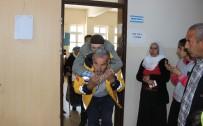 MUSTAFA KUTLU - Sağlıkçıların Sırtında Oy Kullandılar