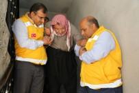 ENGELLİ VATANDAŞ - Şanlıurfa'da Yaşlı Ve Engelliler Sandığa Sedyede Götürüldü