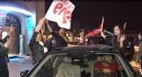 TAKSIM - Taksim'de 'Evet' Kutlaması