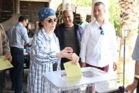 FATMA GİRİK - Ünlü oyuncu Fatma Girik hasta yatağından kalkıp oy kullandı