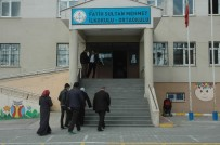 FATIH SULTAN MEHMET - Van'da Oy Kullanma İşlemi