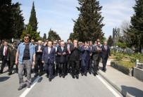 ENERJİ VE TABİİ KAYNAKLAR BAKANI - Cumhurbaşkanı Erdoğan, Adnan Menderes Ve Arkadaşlarını Kabri Başında Ziyaret Etti