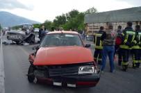 AYDIN YILMAZ - Manisa'da Trafik Kazası Açıklaması 1 Ölü, 5 Yaralı