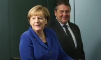 ANAYASA REFERANDUMU - Merkel'den diyalog çağrısı