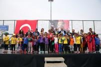 BARBAROS HAYRETTİN PAŞA - Minik Sporcuların Madalya Sevinci