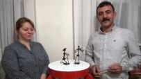 DEMIRCILIK - Sevgililer Gününe Hediye Alamayınca Hurda Metallerden Eşine Hediye Yaptı